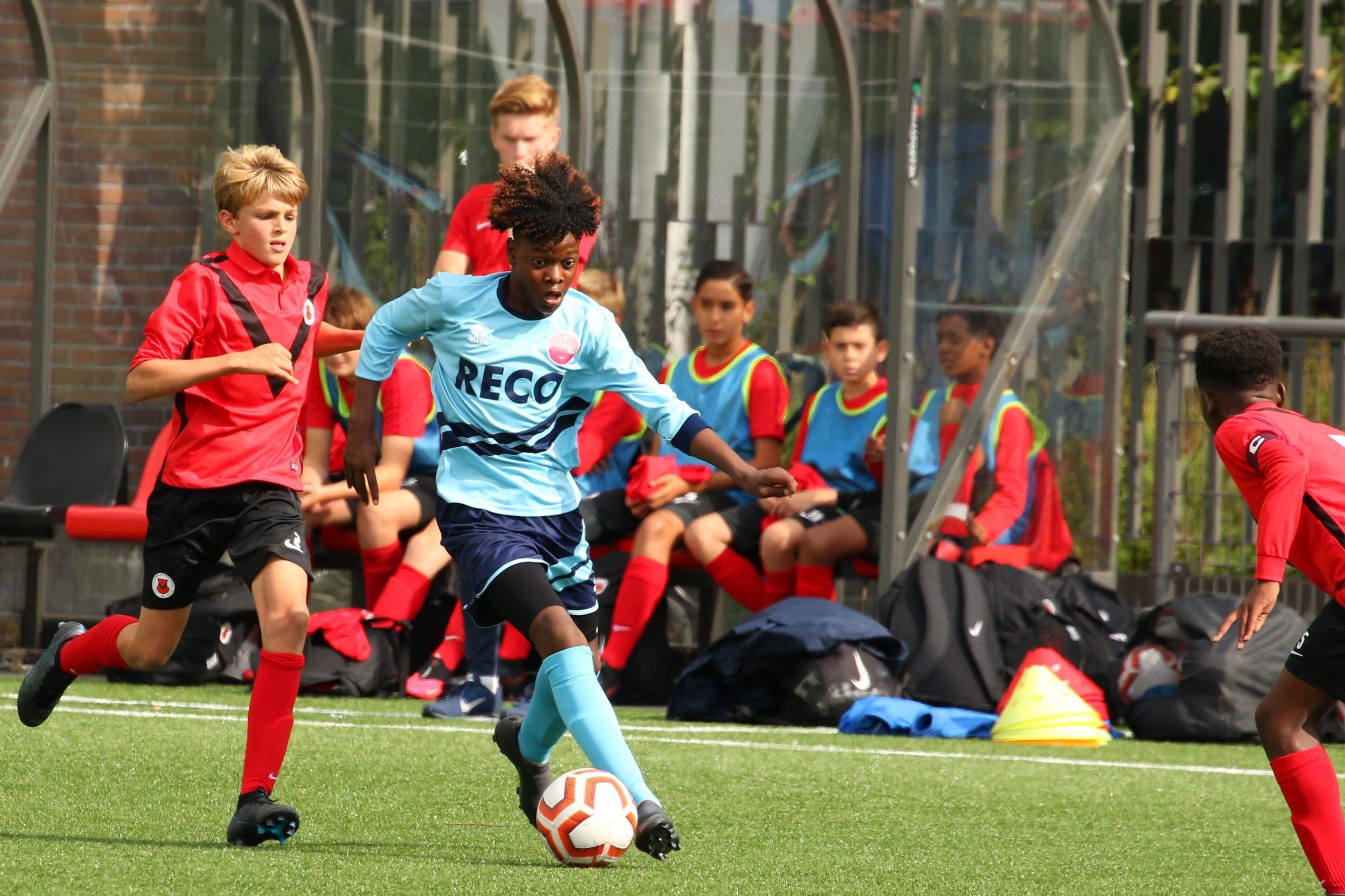 AFC JO14-1 -Alphense Boys JO14-1: Krappe overwinning behaald in Amsterdam